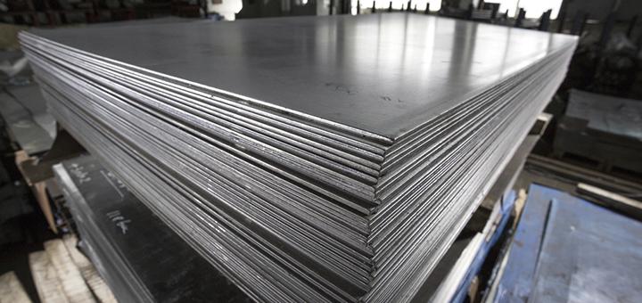 ¿Cuál es el rendimiento del acero inoxidable en ambientes marinos?